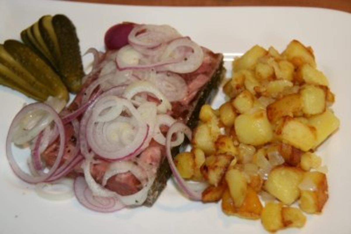 Bilder für Schwein: Sülze mit Bratkartoffeln - Rezept