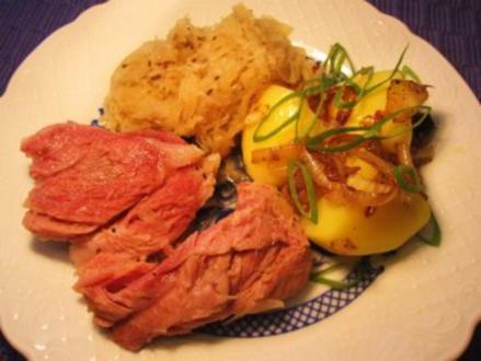 Eisbein mit Sauerkraut - Rezept