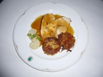 Putenbrust in Honigmantel mit Blumenkohl-Mandel-Püree und Rösti - Rezept