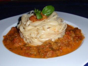 Spaghetti mit Tomaten-Basilikum-Soße - Rezept