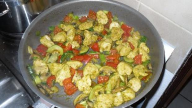 Indische Hühnchen-Gemüsepfanne - Rezept