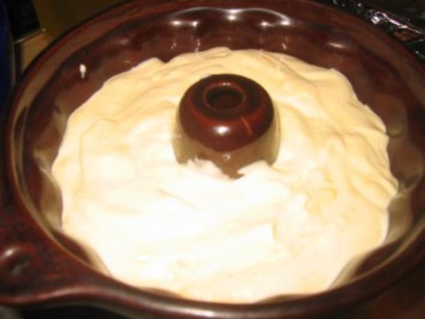 Dessert: Zwei Jahre Kochbar! Für Euch: Bayr. Creme als Gugelhüpfchen.... - Rezept - Bild Nr. 4