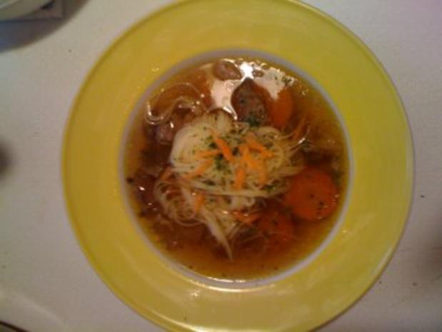 Gekochtes Rindfleisch mit Wurzelgemüse und Kräutern - Rezept - Bild Nr. 2
