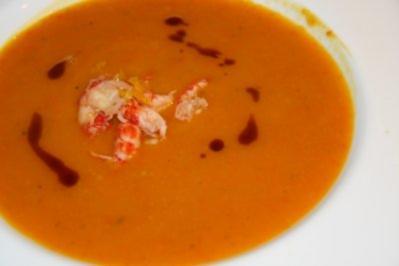 Suppe: Exotische Kürbissuppe mit Flusskrebs-Einlage - Rezept