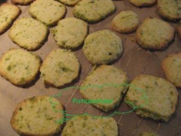 Rezept: Weihnachtsplätzchen- Pistazientaler