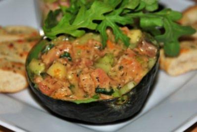 Fruchtiger Lachstatar-Salat - Rezept