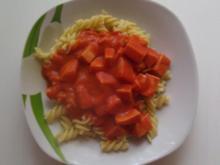 Nudeln in Fleischwurst - Tomatensoße - Rezept