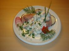 Matjesfilet auf Pumpernickel  (Aalrauchmatjes) - Rezept