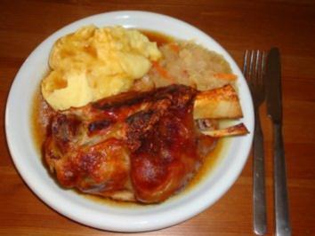Eisbein mit Kartoffelpü & Sauerkraut - Rezept