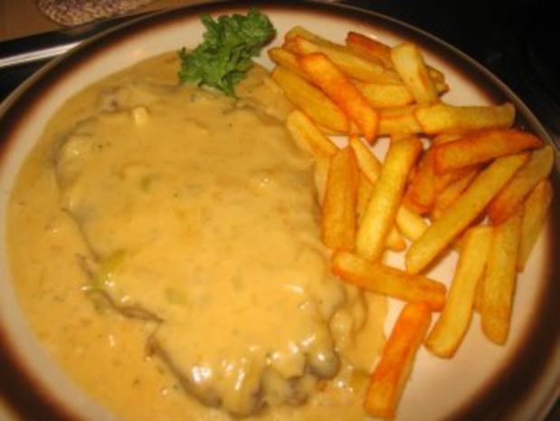 Fleisch: Nackenkotelett in Zwiebel-Käse-Soße - Rezept