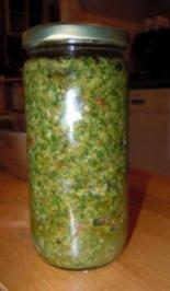Walnuss-Chili-Pesto - Rezept