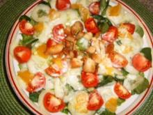 Salat mit Kokosmilch-Joghurt-Dressing - Rezept
