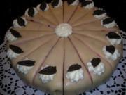 Preiselbeer-Marzipantorte mit Mohnbisquit - Rezept
