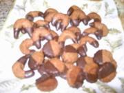 Schokolade-Nuss Kipferl - Rezept