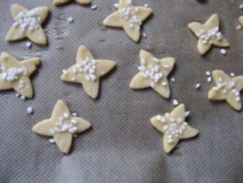 Weihnachtsbäckerei- Weinige Sternchen - Rezept
