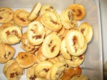 Weihnachtsbäckerei- Dattel-Feigen-Röllchen - Rezept