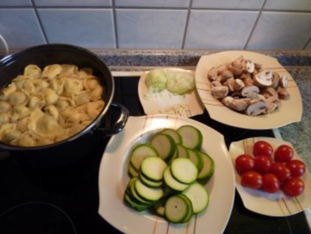 Italienischer Tortellini-Salat - Rezept - Bild Nr. 2