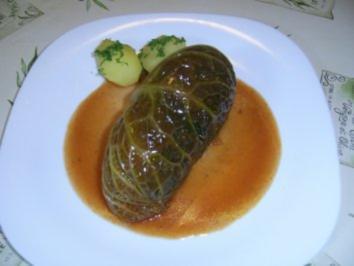 Thüringer Wirsingroulade mit Kräuterhackfüllung - Rezept