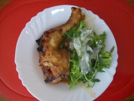 Exotische Hähnchenschenkel an frischem Salat - Rezept