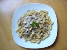 Fusilli mit Thunfisch, Pilzen und Sahnesauce - Rezept