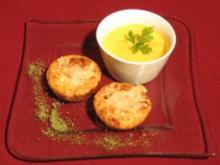 Zwiebelkuchen auf Simones Art mit Möhrencappuccino - Rezept