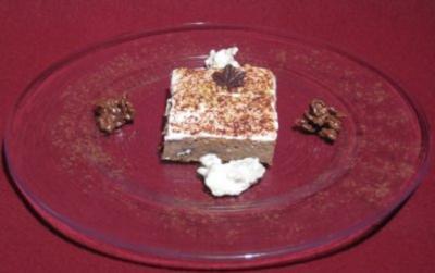 Apfel-Schoko-Schnitte mit Käsesahne in süßer Begleitung - Rezept