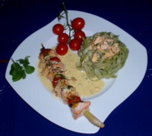 Irische Lachsspießchen mit Spinatnudeln und Grilltomaten - Rezept - Bild Nr. 8