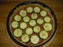 Hackfleisch quiche mit Zuchini und Tomaten - Rezept