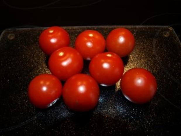 Rinderhüftsteaks mit Röstzwiebeln und geschmolzenen Tomaten - Rezept - Bild Nr. 4