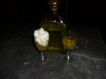 Ananaslikör-Jetzt ist er fertig - Rezept