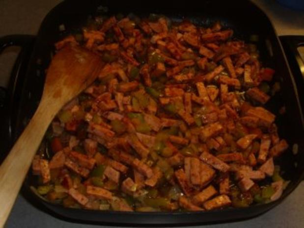 Nudelgerichte: Wurstgulasch mit Nudeln - Rezept - Bild Nr. 3