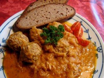 Hack-Reis-Bällchen in Paprikakraut - Rezept