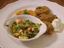 Frikadellen mit Weizengrütze und türkischem Hirtensalat - Rezept