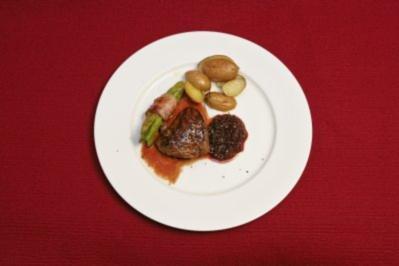 Steaks mit Rosmarinkartoffeln und Salat - und Kölsch (Aleksandra Bechtel) - Rezept