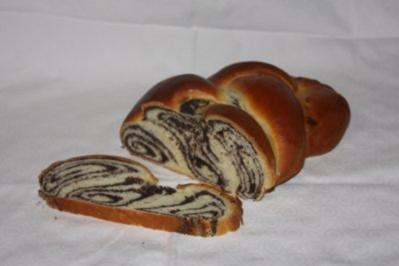 Rezept: Mohnzopf aus Hefeteig