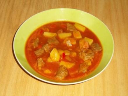 Ungarische Gulaschsuppe pikant gewürzt - Rezept