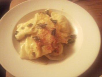 4-Käse Ravioli (selbstgemacht) in Salbeibutter - Rezept