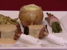 Lamm-Krone mit Honigsenf-Soße, zweierlei Bohnen und gef. Kartoffeln (Jean Marie Pfaff) - Rezept