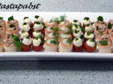 Mit Ricotta-Tomatencreme gefüllte Mini-Blätterteigpasteten - Rezept