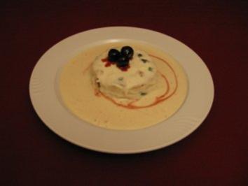 Torta di Ricotta auf Zabaione-Marsala-Creme an Amarena-Mousse-Spiegel - Rezept