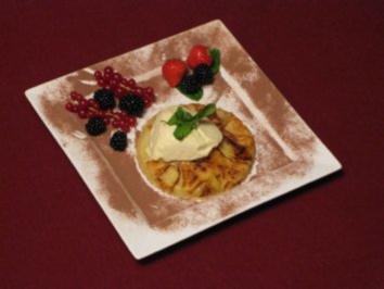 Apfelpfannkuchen mit Vanilleeis und Zimt - Rezept