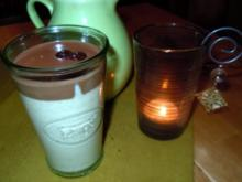Khaki-Mousse mit Schokoladen-Whisky-Sauce - Rezept