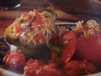 Gefülltes Gemüse mit Mandelsauce - Rezept