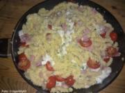 Schinken-Nudeln mit Mozzarella - Rezept