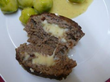 Frikadelle mit Camembert, Fleischklops, Fleischpflanzerl, Bremsklötz, gef. Rinderbulette - Rezept