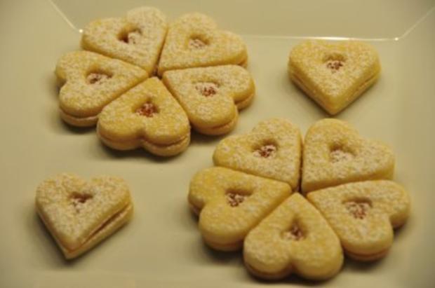 Weihnachtsplätzchen - Marmeladeherzen und -sterne - Rezept - Bild Nr. 2
