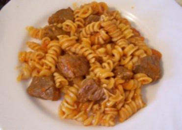 Kochen: Scharfe tomatige Gulasch-Pfanne - Rezept