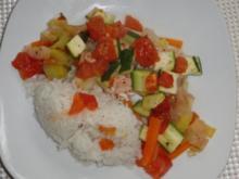 Fisch : Lachs im feinen und frischen Gemüseauflauf - Rezept