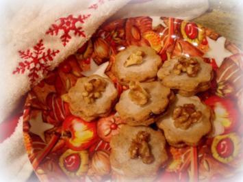 Weihnachtsplätzchen: Gefüllte Walnussplätzchen - Rezept