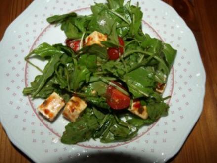 Ruccolasalat mit Feta und Datteltomaten - Rezept
